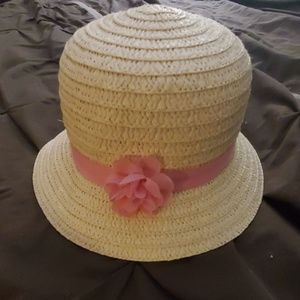 Girls hat with pink ribbon/flower
